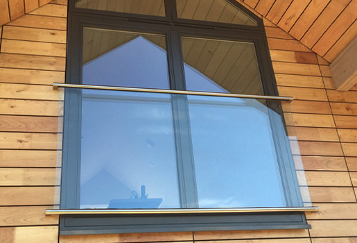 Juliet Glass Balcony System - Fixings and Components | S3i Group